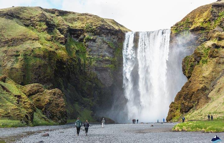 Viajar skogafoss Islandia